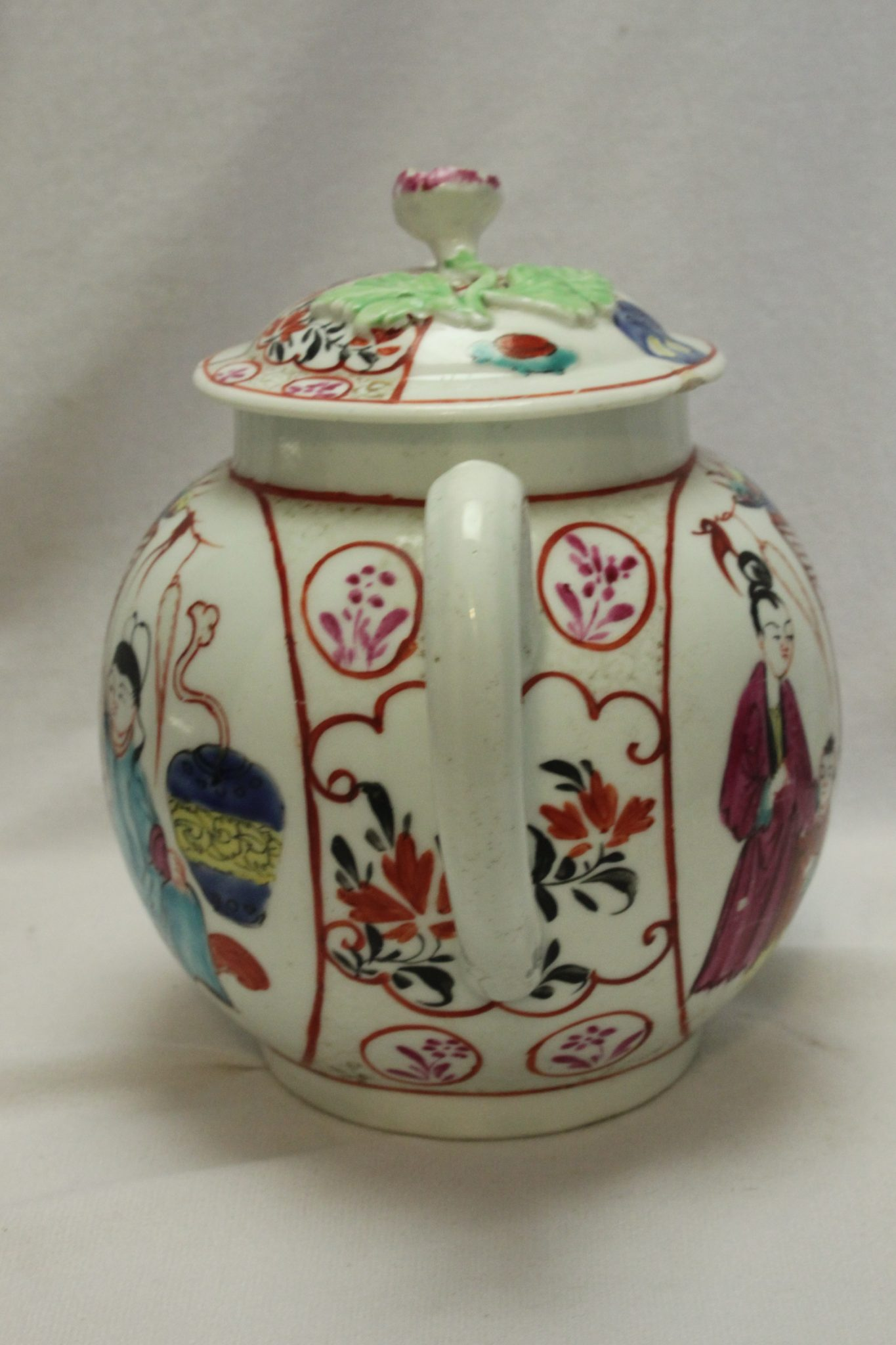 Worcester hand painted teapot