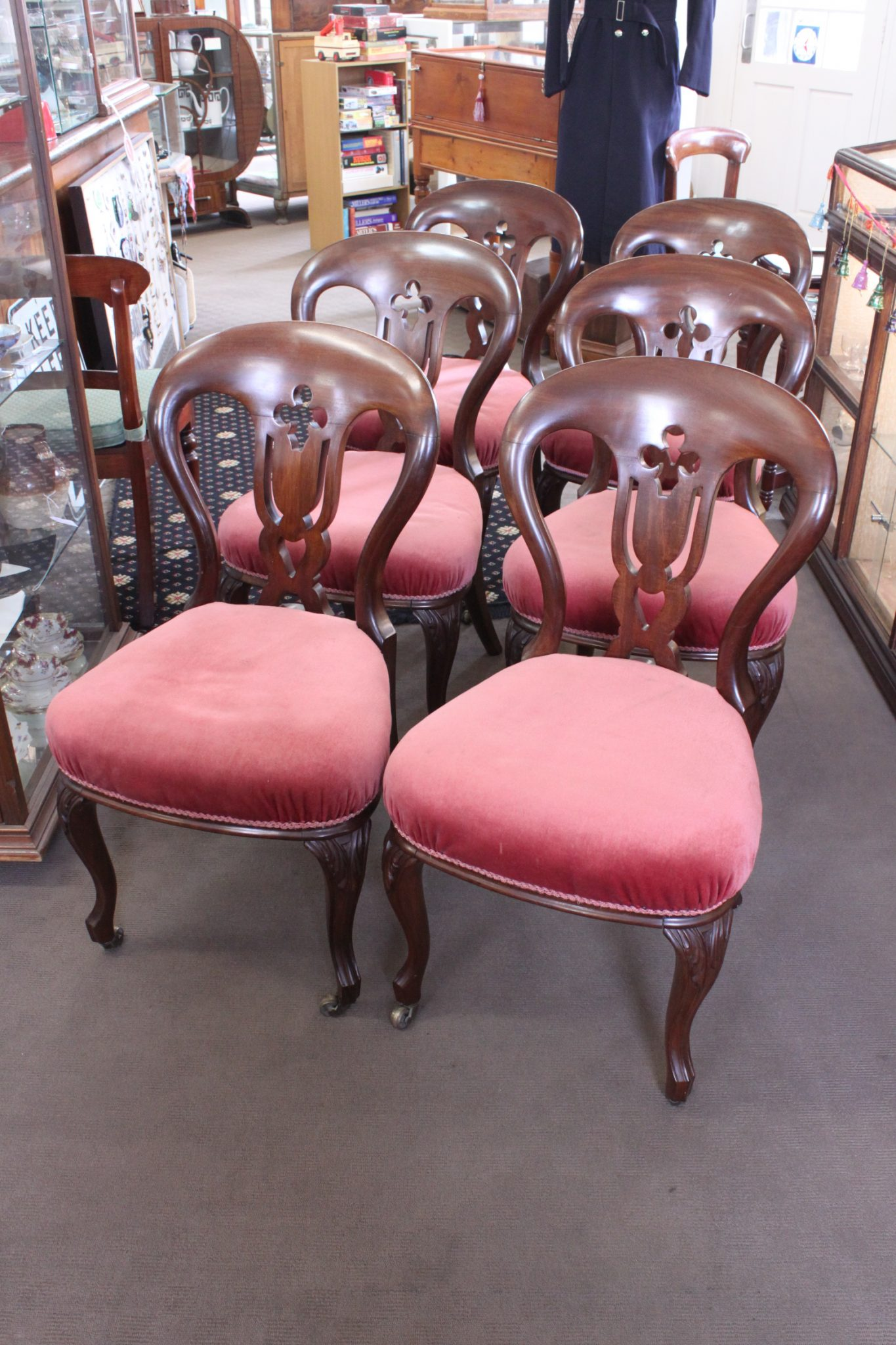 Set 6 blackwood balloon back dining chairs.