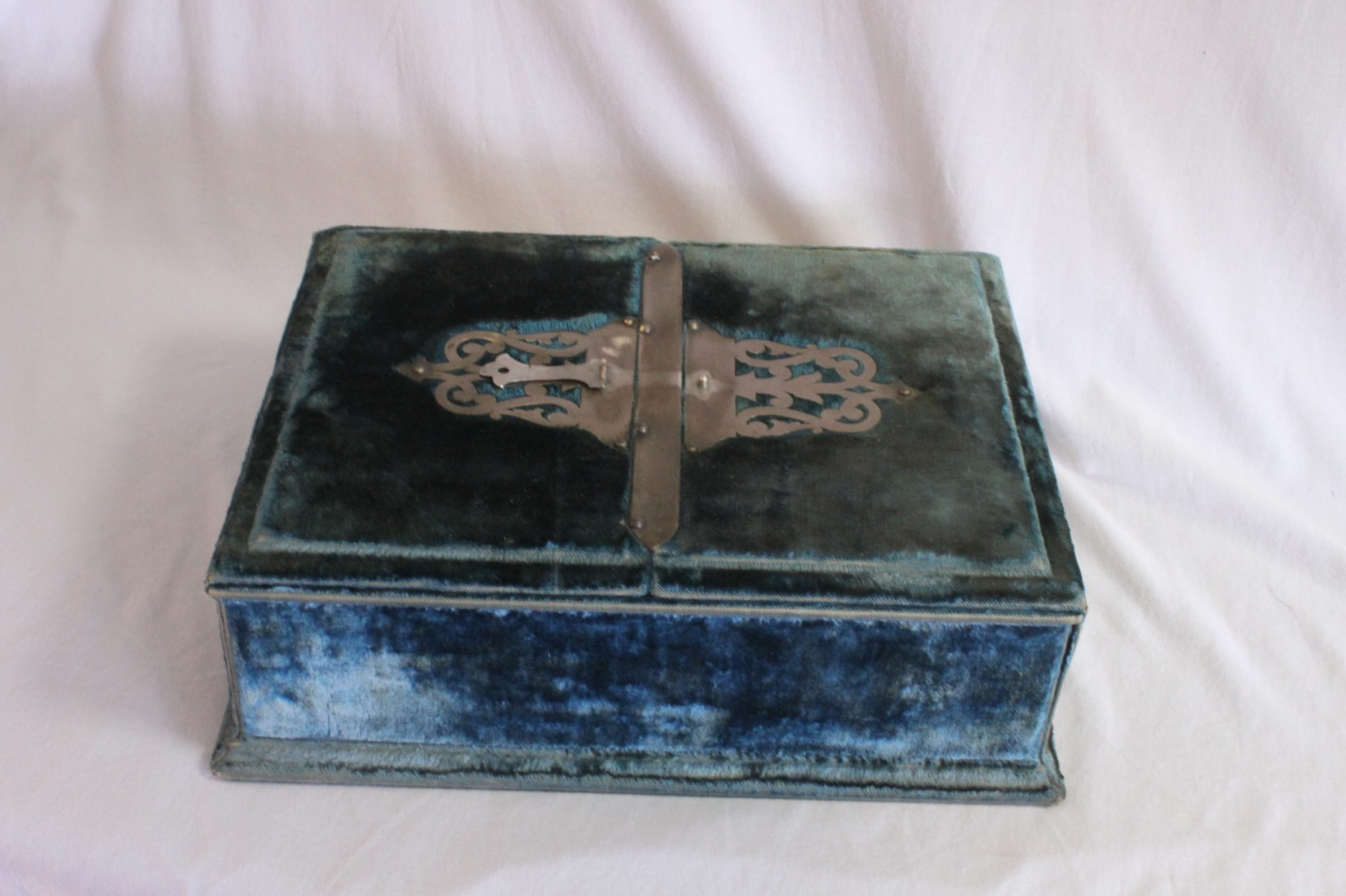 Victorian ladies travelling beauty case