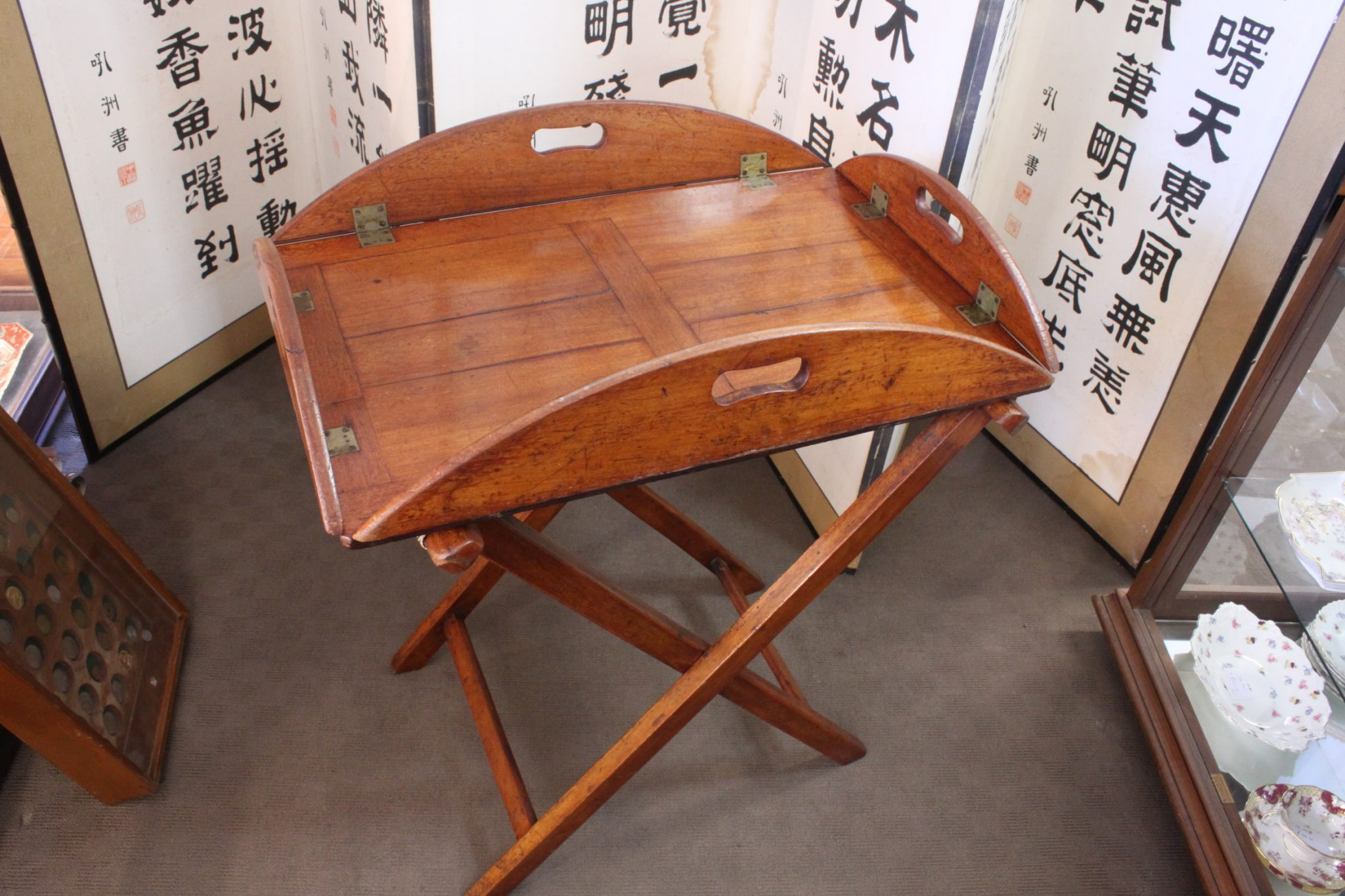 Cedar butlers tray on stand