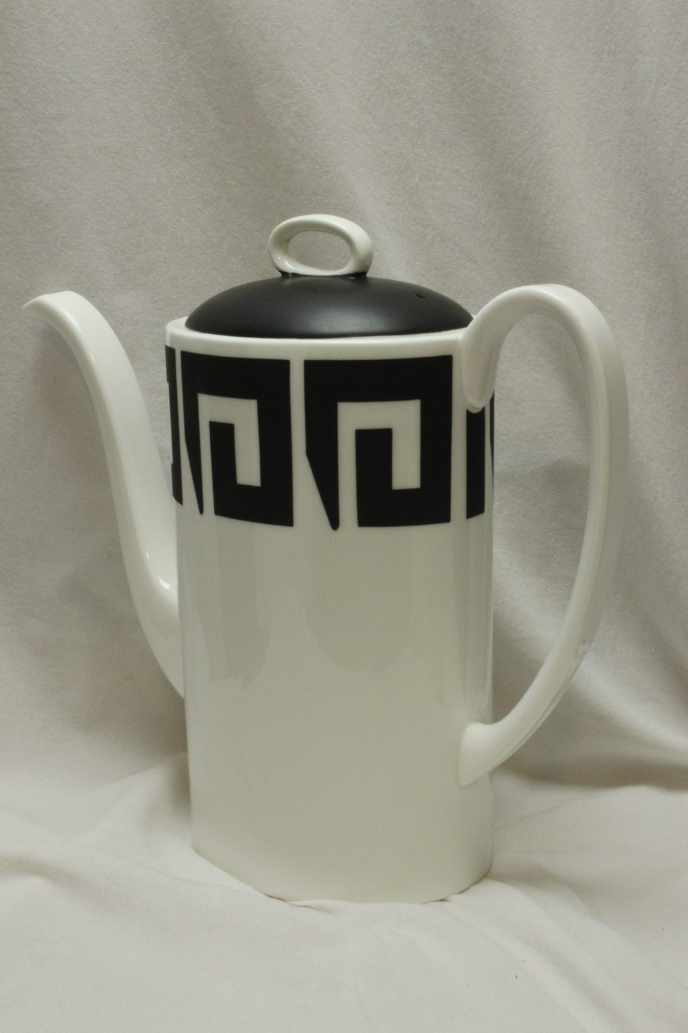 Susie Cooper coffee pot Keystone pattern C2131.