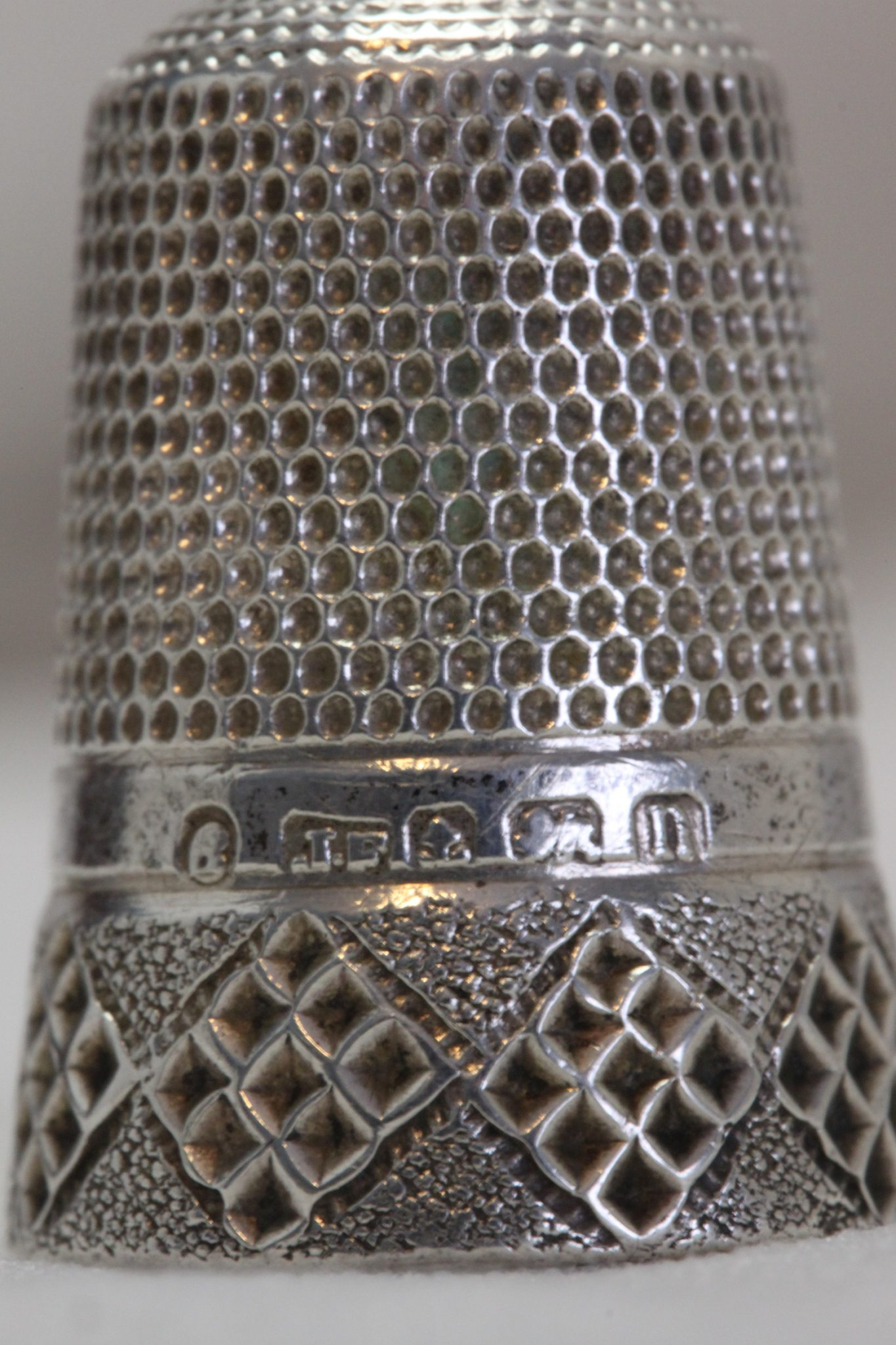 Sterling silver thimble by James Fenton, Birmingham 1912