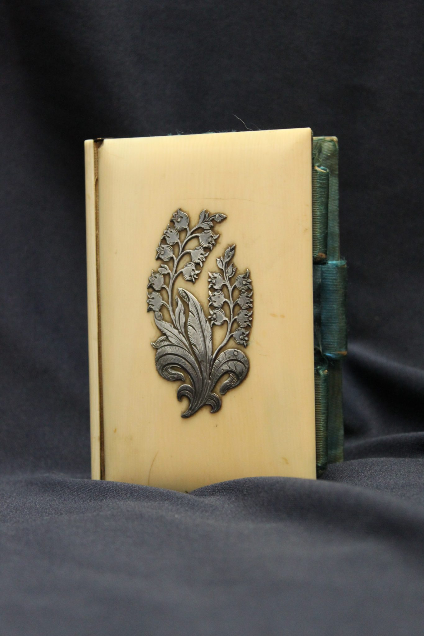 Silver mounted ladies ivory card case
