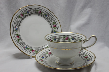 Shelley cup saucer and plate pattern 10802.