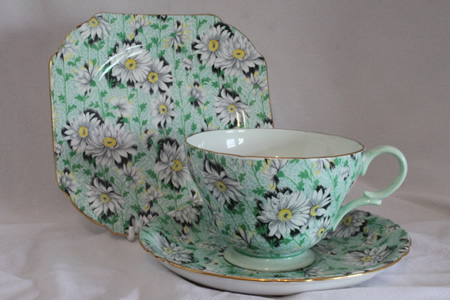 "Shelley cup saucer & plate ""Green Daisy"" pattern 13450"