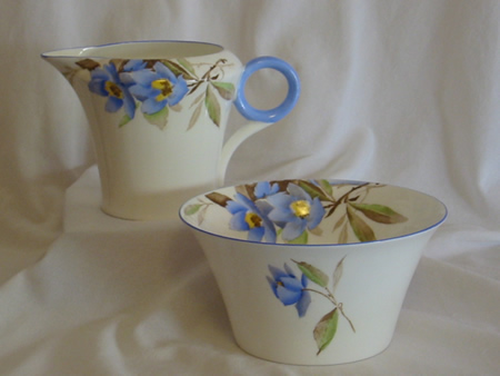 "Shelley sugar bowl and creamer ""Syringa"" pattern 12025"