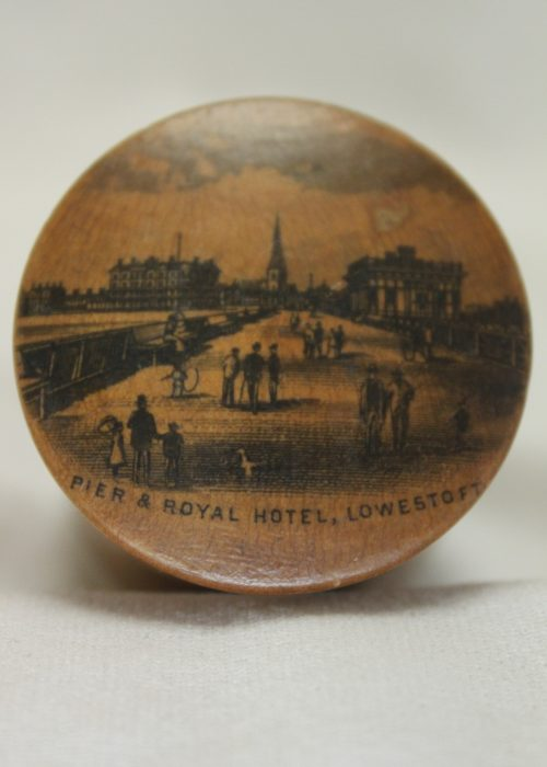 Mauchline ware box - Pier and Royal Hotel Lowestoft