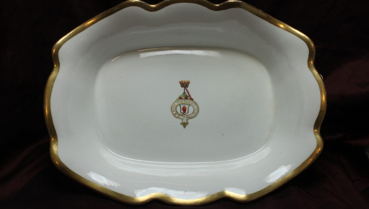 Fruit bowl bearing the crest and motto of Baron Scott of Great Barr