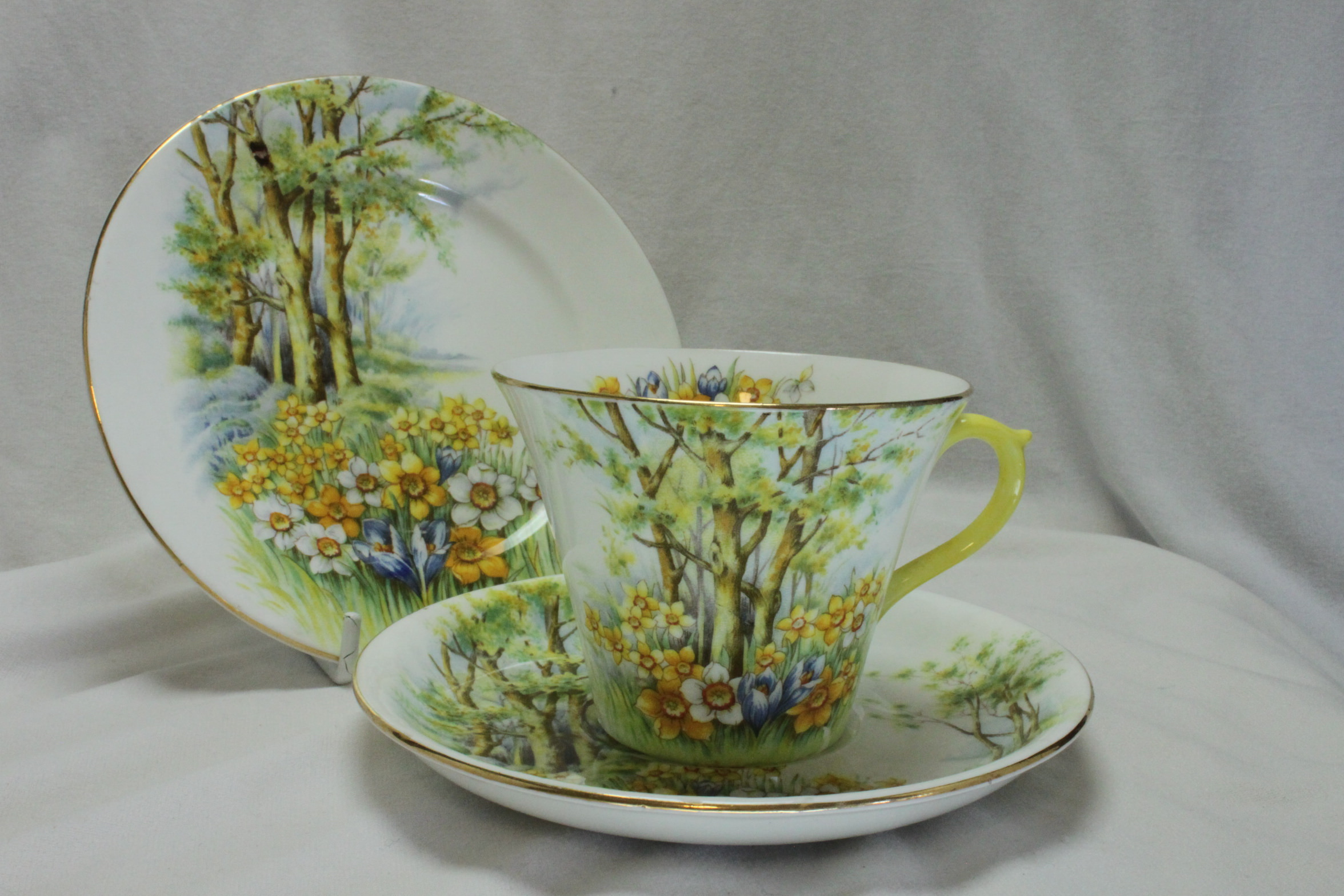 Shelley cup saucer and plate Daffodil Time pattern 13370