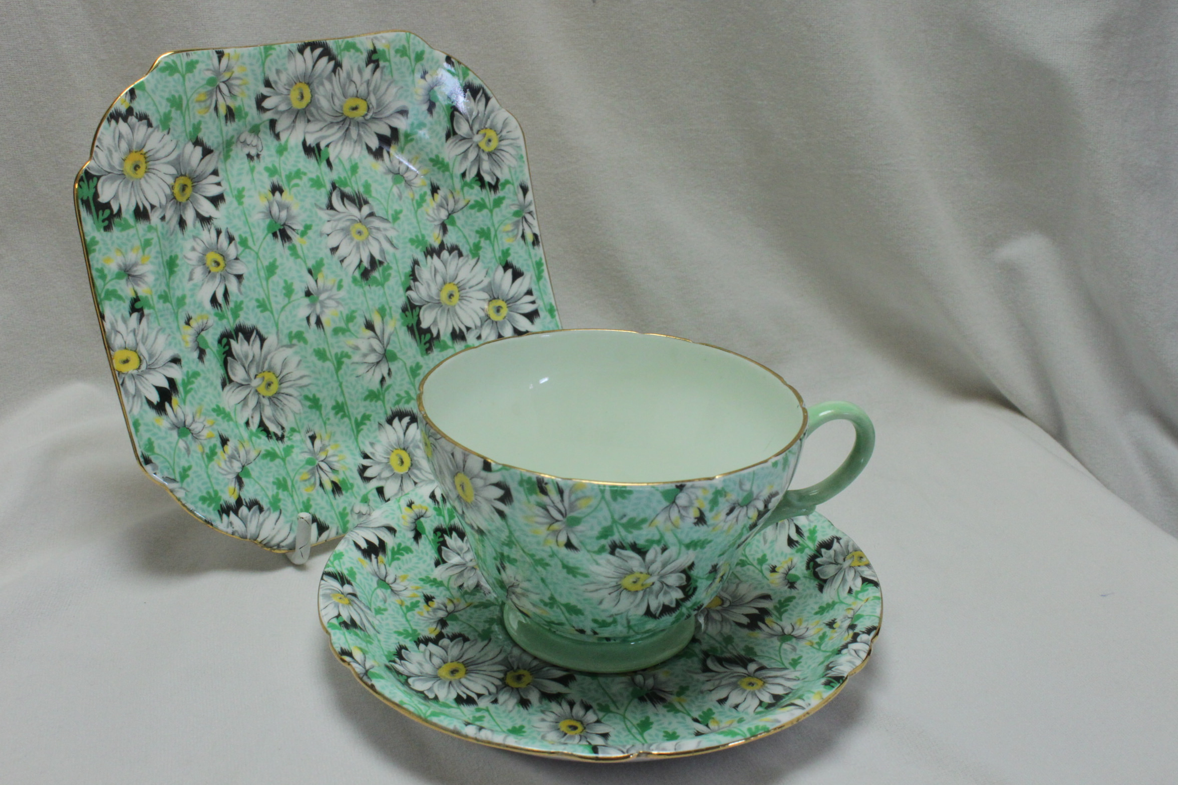 Shelley Green Daisy chintz cup saucer & plate pattern 13450