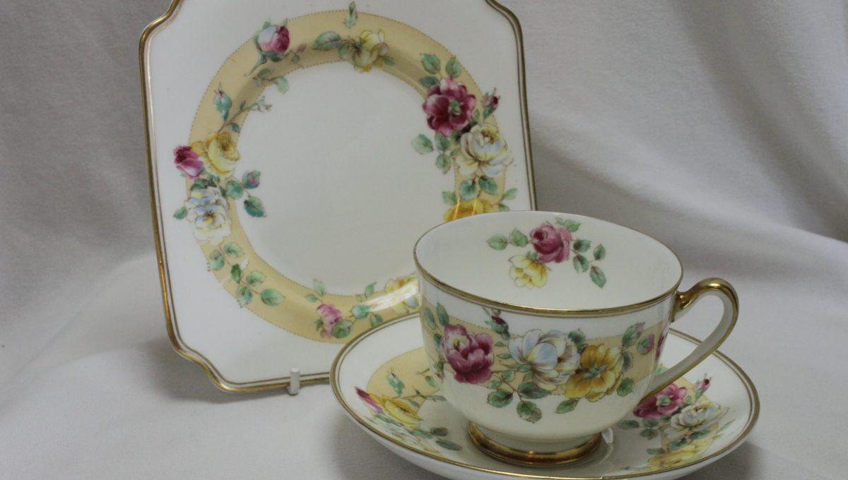 Royal Doulton cup saucer & plate Rosamund pattern H4494