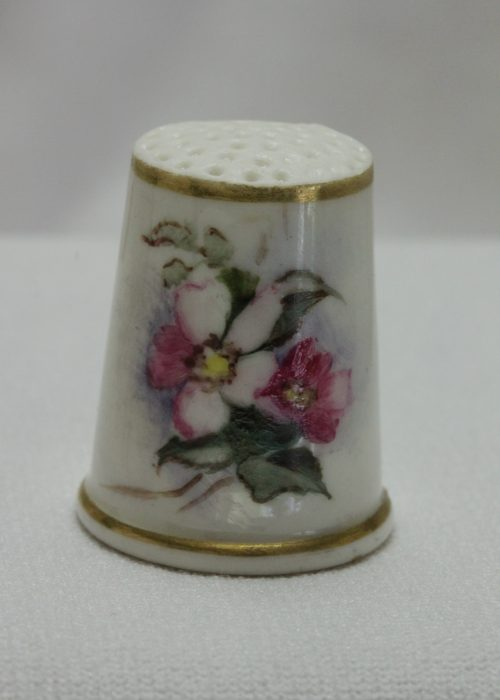 Worcester hand painted porcelain thimble c 1880's