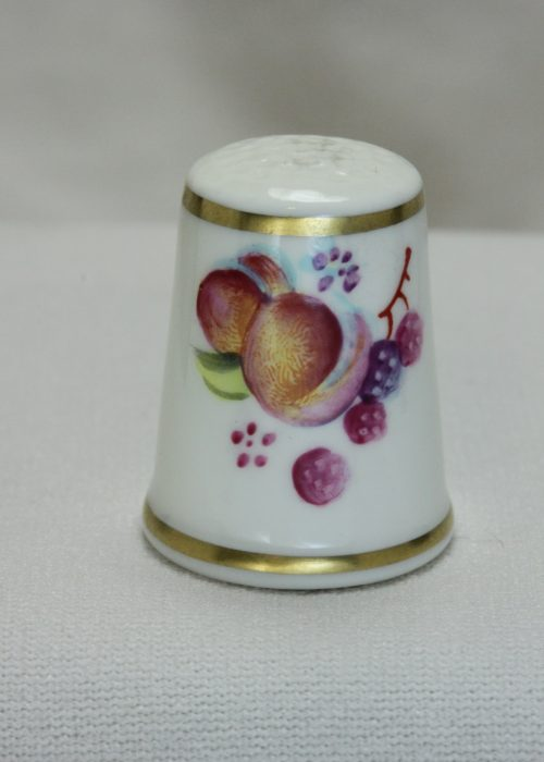 Royal Worcester thimble hand painted by Susanne Roberts