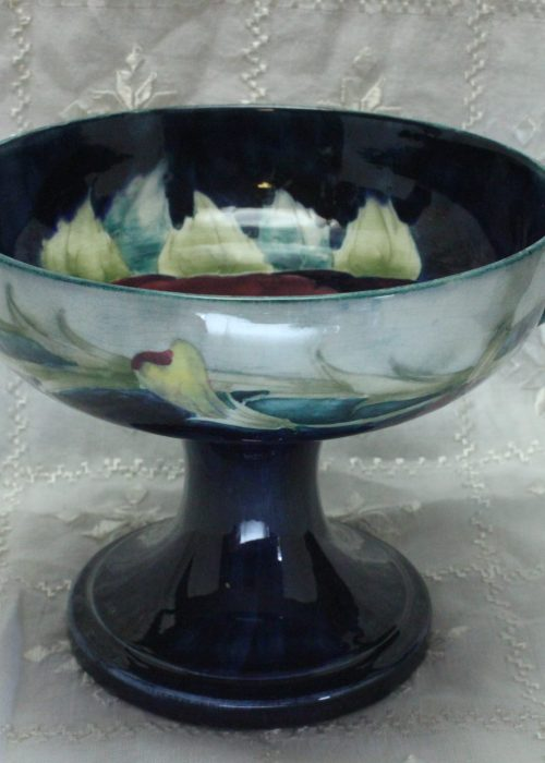 Moorcroft Pansy comport