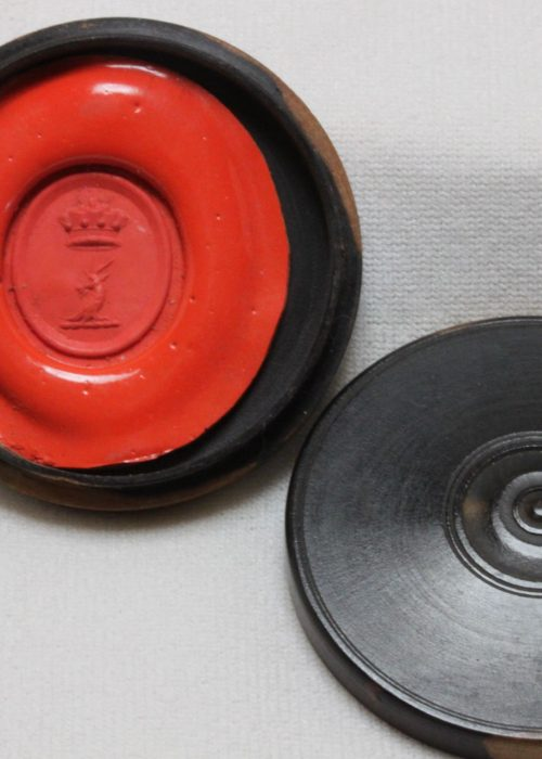 Wax seal impression in a turned box 41 mm diameter