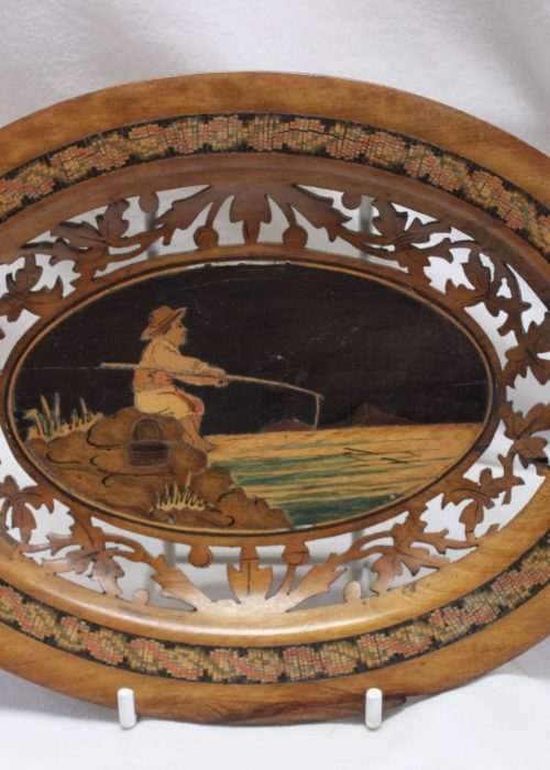 Sorrento ware carved and inlaid walnut dish